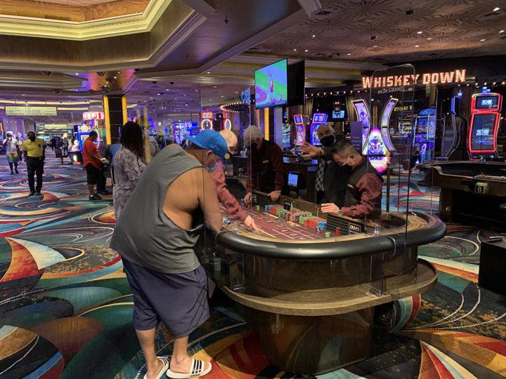 MGM Las Vegas, Crap table
